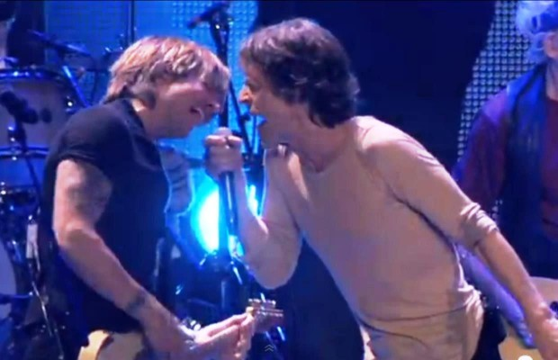 Keith Urban Plays with the Rolling Stones